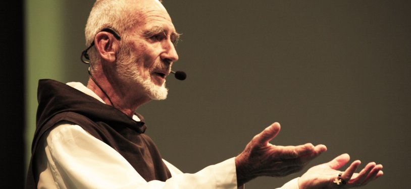 Brother David Steindl-Rast on Oneness, Belonging, and the Self https://t.co/KSmyLKcusP @GratefulnessOrg https://t.co/wmnZUbf5Ey