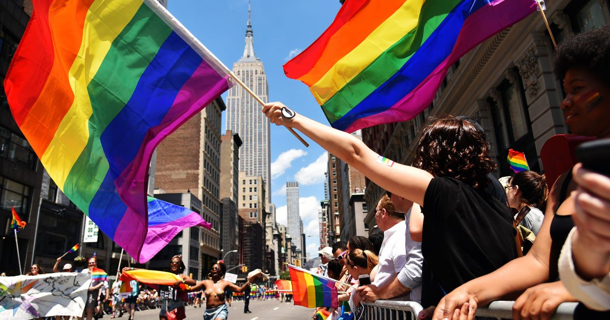 Should straight people attend Gay Pride? https://t.co/CrQ0JKDTM8 https://t.co/0LbfSpuHZ6