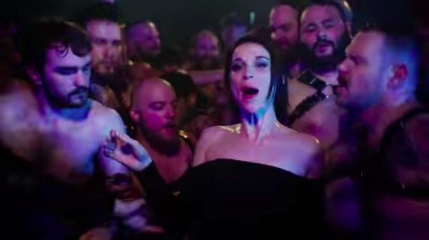 Watch St. Vincent's sweaty, sexy 'Fast Slow Disco' video https://t.co/YHZyCdtMVn https://t.co/qBBKpEvMix