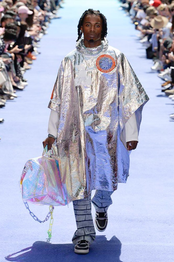See every look from @virgilabloh's first menswear collection for @LouisVuitton: https://t.co/WkzNJriUR5 https://t.co/ncsddcvvMW