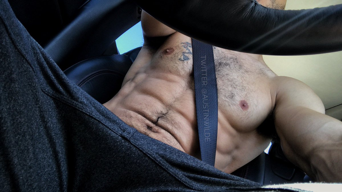 It's officially drive home from the gym shirtless weather🔥😜 5Vl4ndoJqa