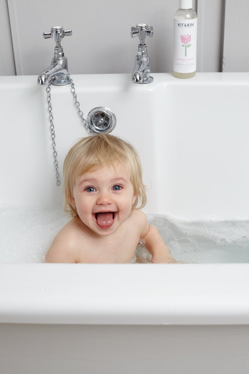 RT @KitandKinUK: Bathtime is the best time ???? https://t.co/Pp6qKWgFLe