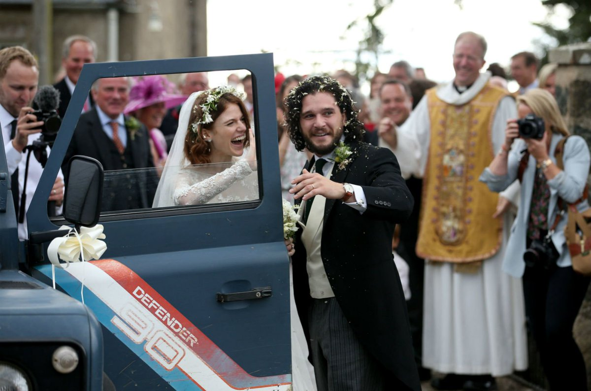 'Game of Thrones' co-stars Kit Harington and Rose Leslie wed in Scotland https://t.co/KiTHdS4LPc https://t.co/36p5yDzXKv