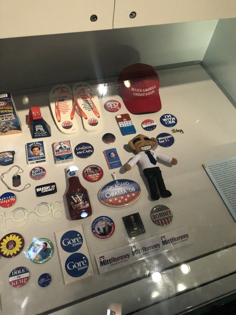 RT @CassandraRules: A maga hat and an Obama dog toy at the museum of American history 😂 https://t.co/nqJg76Rbp1