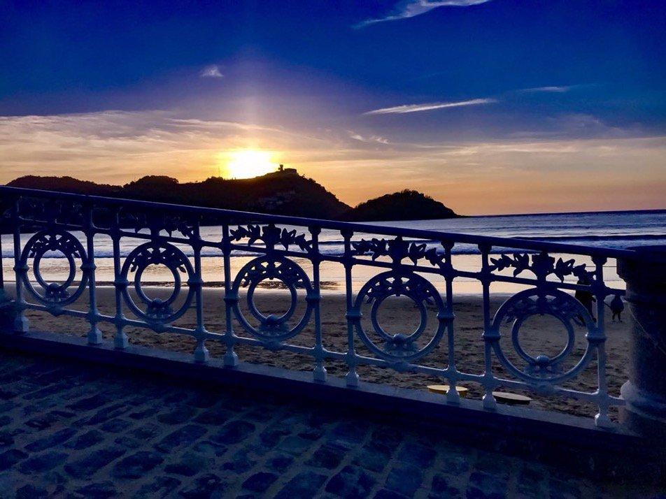 🔺🔺 #LasMejoresFotos de la semana . San Sebastián . Por @MaoyarbiMaria https://t.co/HMhBCWBx1e