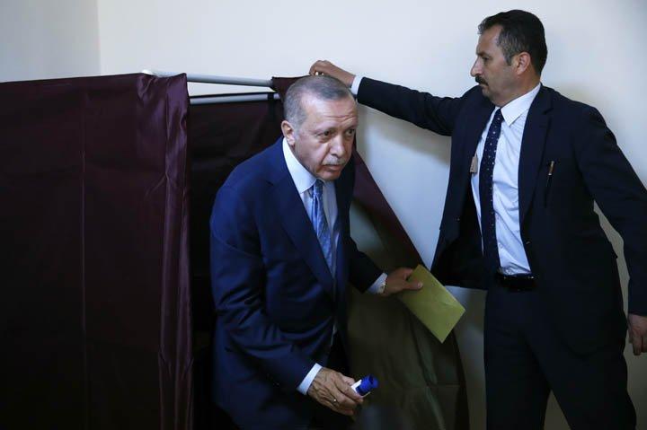 @BroadcastImagem: Erdogan vota e vê Turquia