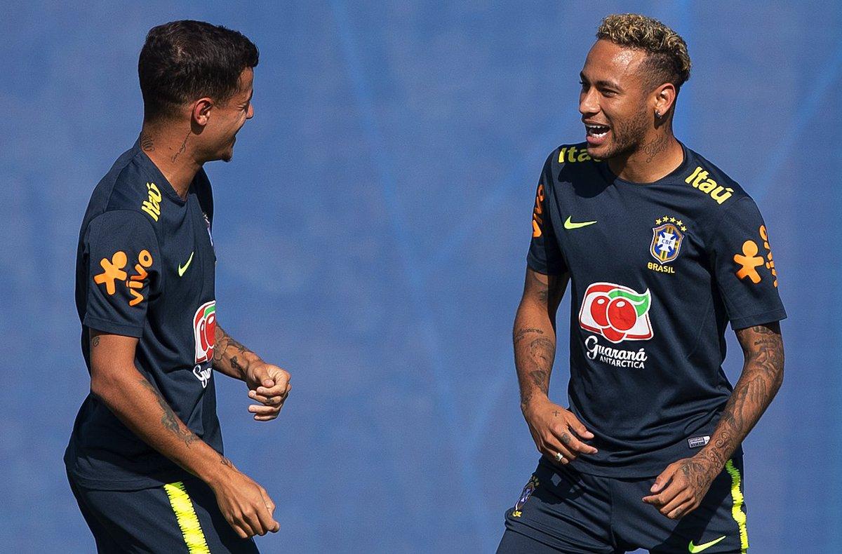 @BroadcastImagem: Philippe Coutinho e Neymar treinam em Sochi para o confronto contra a Sérvia. Eduardo Nicolau/Estadão