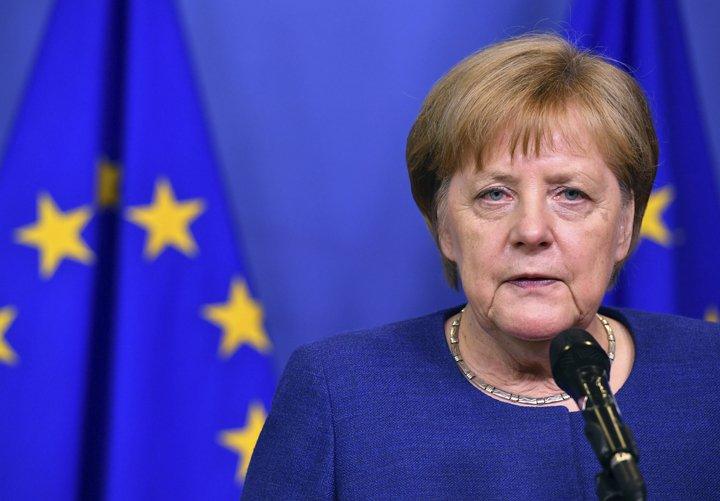 @BroadcastImagem: Países europeus concordaram que devem dividir encargos de imigração, diz Merkel. Geert Vanden Wijngaert/AP