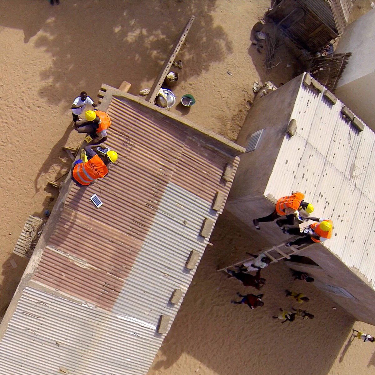 An aerial view of the AKON Lighting Africa team hard at work. ☀️???????? #akonlighting #akonlightingafrica https://t.co/92uPmtlX0I