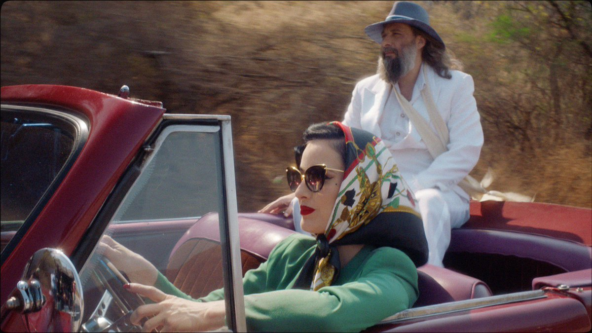 RT @SebTellier: Watch the short film with @DitaVonTeese : https://t.co/TFsFmhpVn3 https://t.co/TMyjdn590m