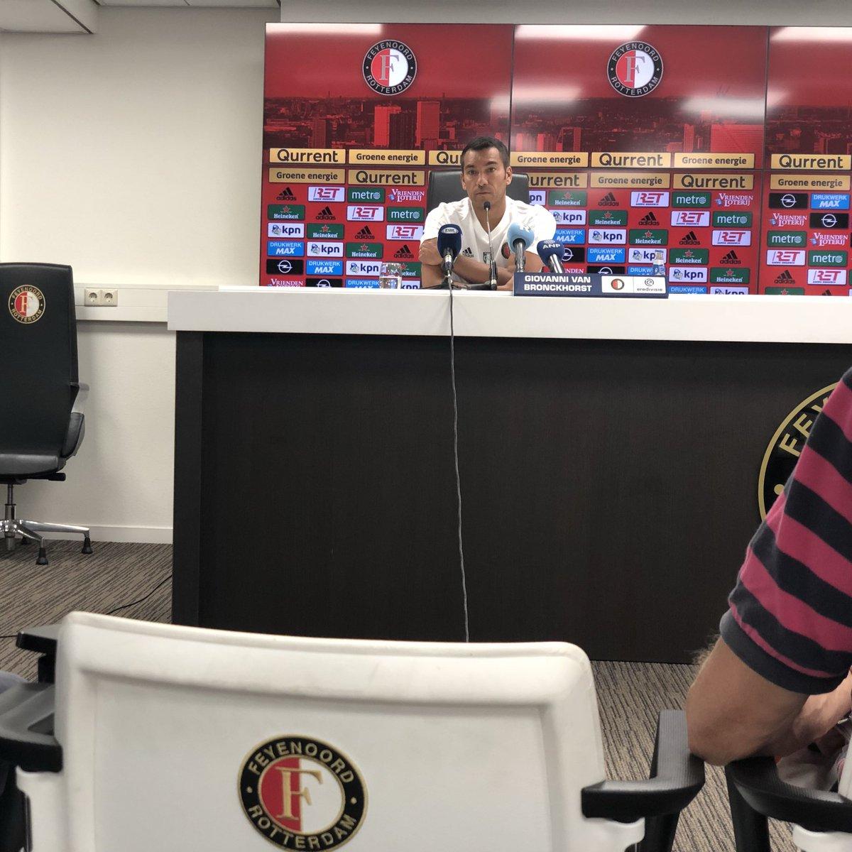 test Twitter Media - In de perszaal van De Kuip is trainer Giovanni van Bronckhorst aangeschoven om vooruit te blikken op het nieuwe seizoen.   🗣 'De batterij is opgeladen, ik had al een aantal dagen zin om te beginnen.'   #Feyenoord https://t.co/Oxy9QMUGid