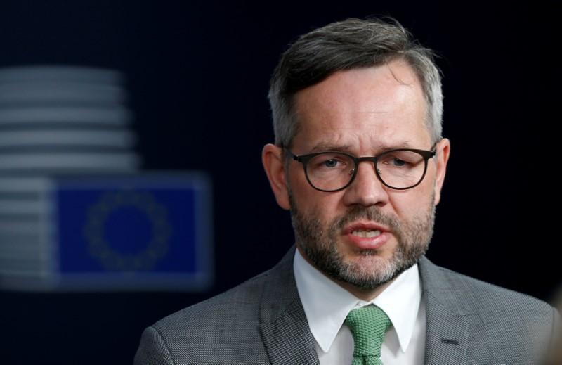 EU puts off Balkan membership talks as France demands reforms