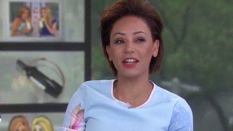 """RT @klgandhoda: OMG! @OfficialMelB revealed that she came up with the rap for """"Wannabe"""" on the toilet! ???? https://t.co/vk6vXWGkEU"""