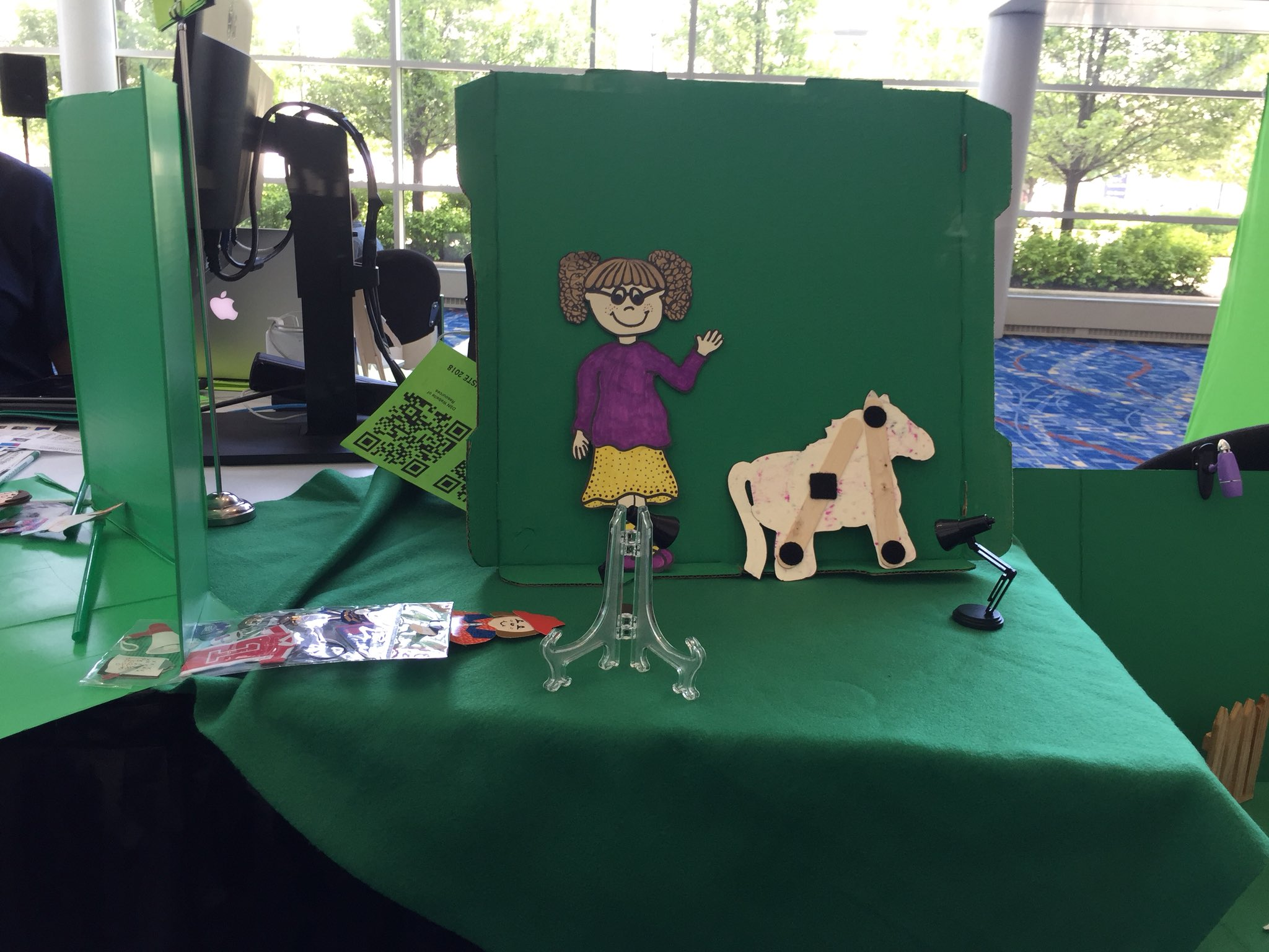 So excited to implement digital storytelling next year with Doink! #ISTE2018 #BangBears https://t.co/rji265Dwju