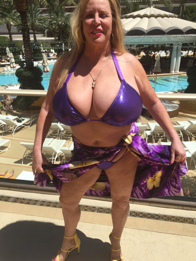 In the cabana at the Encore hotel. . #Bigtits #LasVegas Full layout this week bcjXMqnAgp
