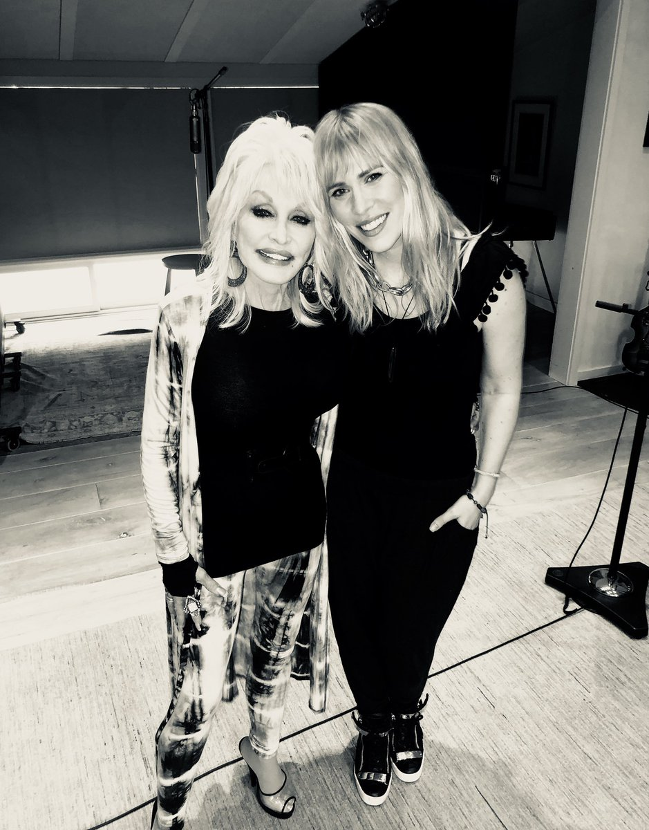 So great to be around one of the greatest song writers of all time. @DollyParton has such a beautiful soul. https://t.co/qu8LGEMxmH