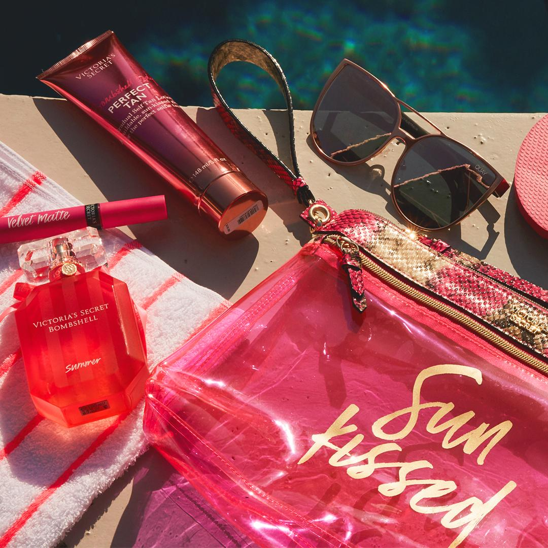 Vacay mode: ON. Shop our poolside must-haves: https://t.co/MlaogIRYrk #hellobombshell https://t.co/mmltpmoUNs