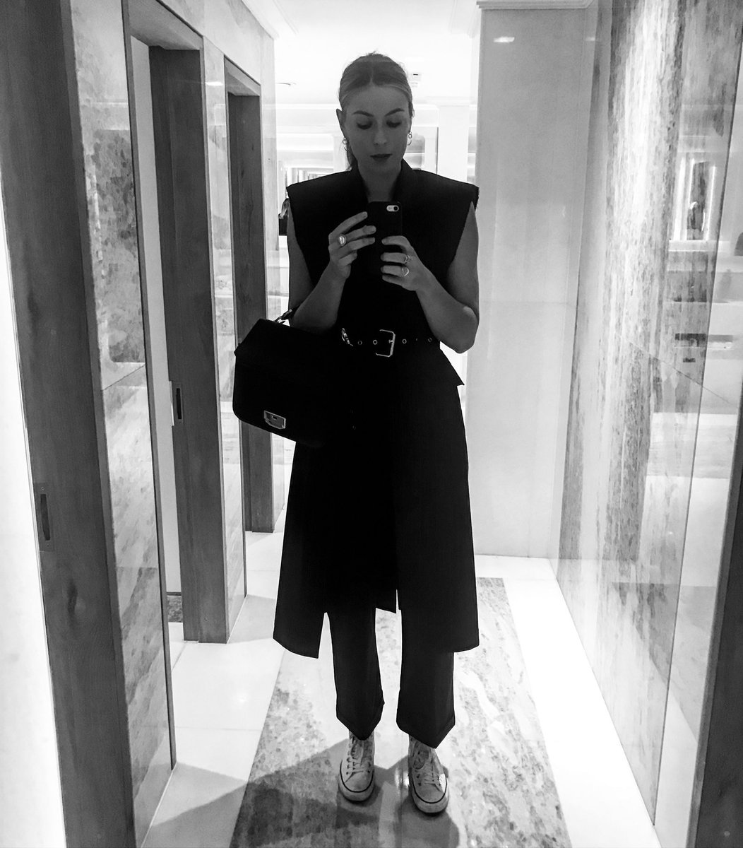 Loving this suit dress by @31philliplim ???????? https://t.co/a0XXjtXiVB