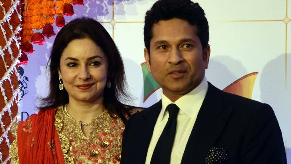 "test Twitter Media - ""I've not known any other person in my life except him. I understand him so well. So whether I am his girlfriend or his wife, it's the same thing, just an extension of that bond."" #AnjaliTendulkar  #SachinTendulkar #ShaadiCeleb https://t.co/4ZYcELDHtL"