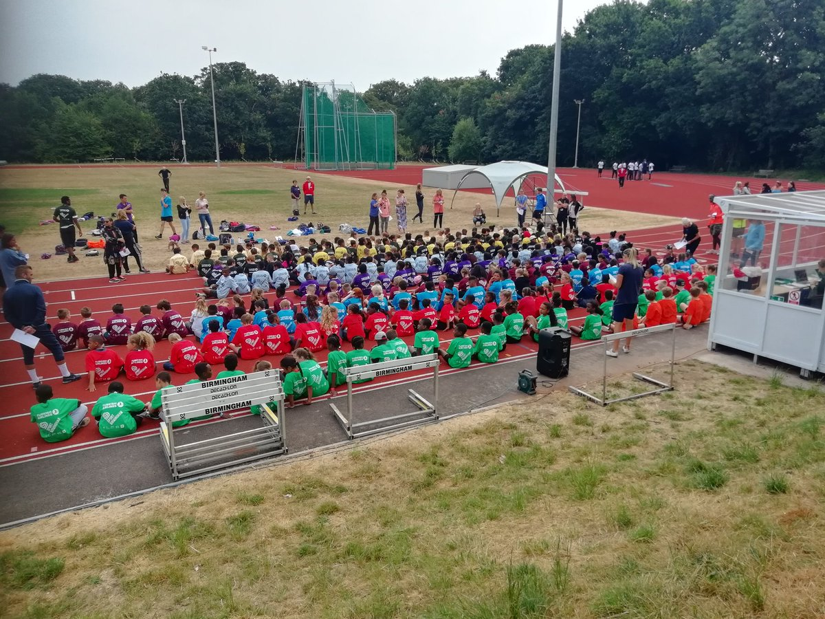 test Twitter Media - Can you spot Team Hollywood in claret at the y3/4 athletics on a track graced by Usain Bolt? @YourSchoolGames Go team Hollywood https://t.co/7SMT2l0yvg