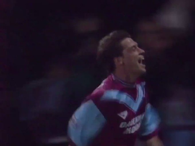 Happy Birthday to the legend that is Tony Cottee! Have a great day mate