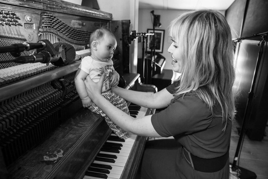 Music is life. That's why our hearts have beats. ????: @kristinburns https://t.co/mbcbNgiEbA