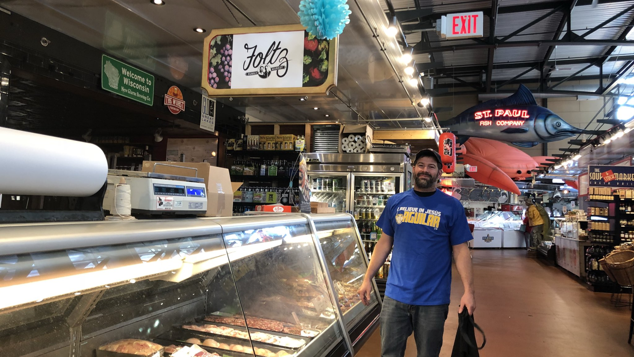 Great to see the support @MKEPublicMarket! #WeBelieveinJesús   https://t.co/QB8es3aQOg https://t.co/wwtsyde4c1