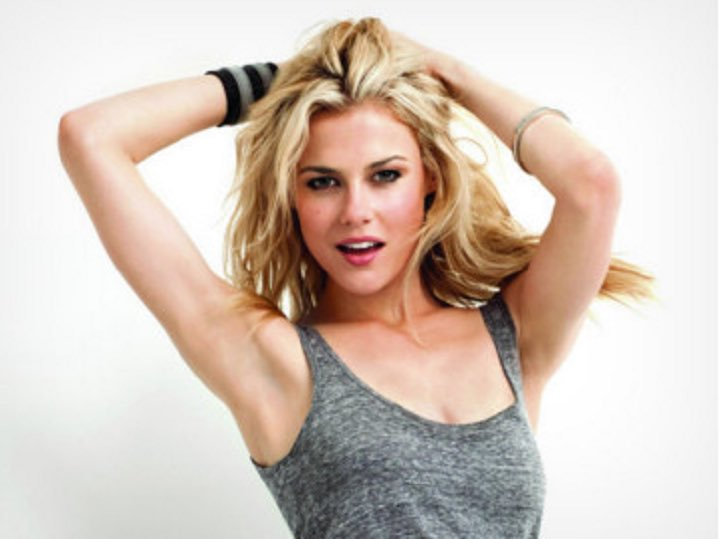 We wish a very happy birthday to the talented and gorgeous Rachael Taylor! ¡Feliz cumpleaños