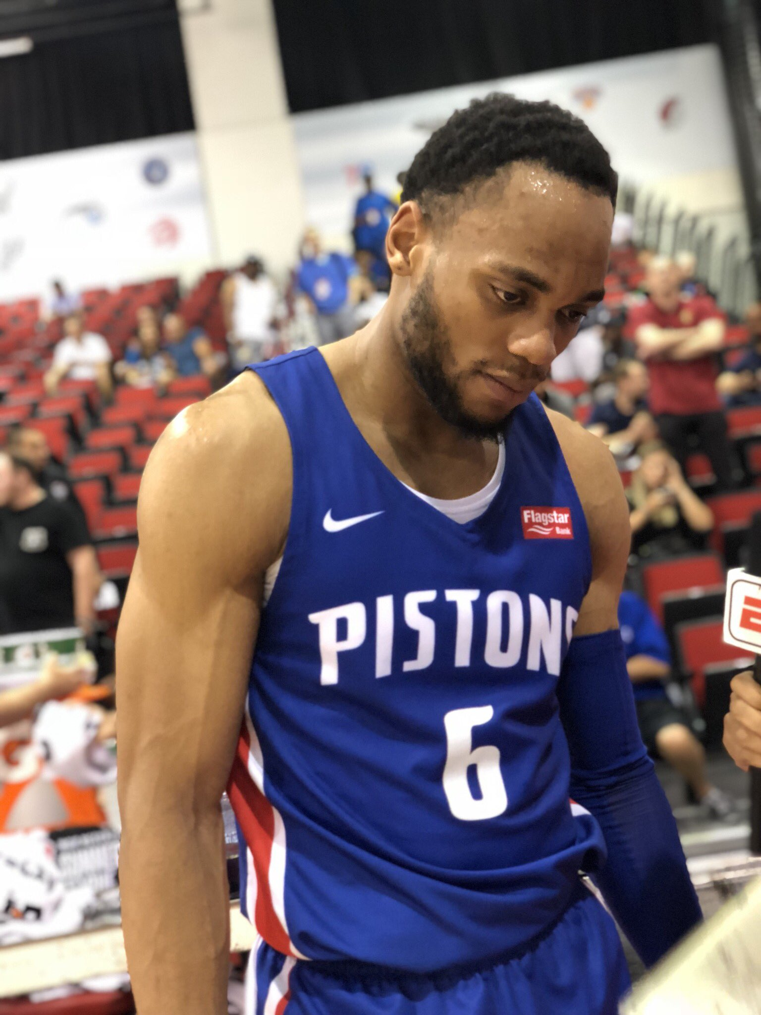 The @DetroitPistons advance in the #NBASummer playoffs behind 15p, 11r, 6a & 5s from @BruceBrown11! https://t.co/Hk4uNlnfIh