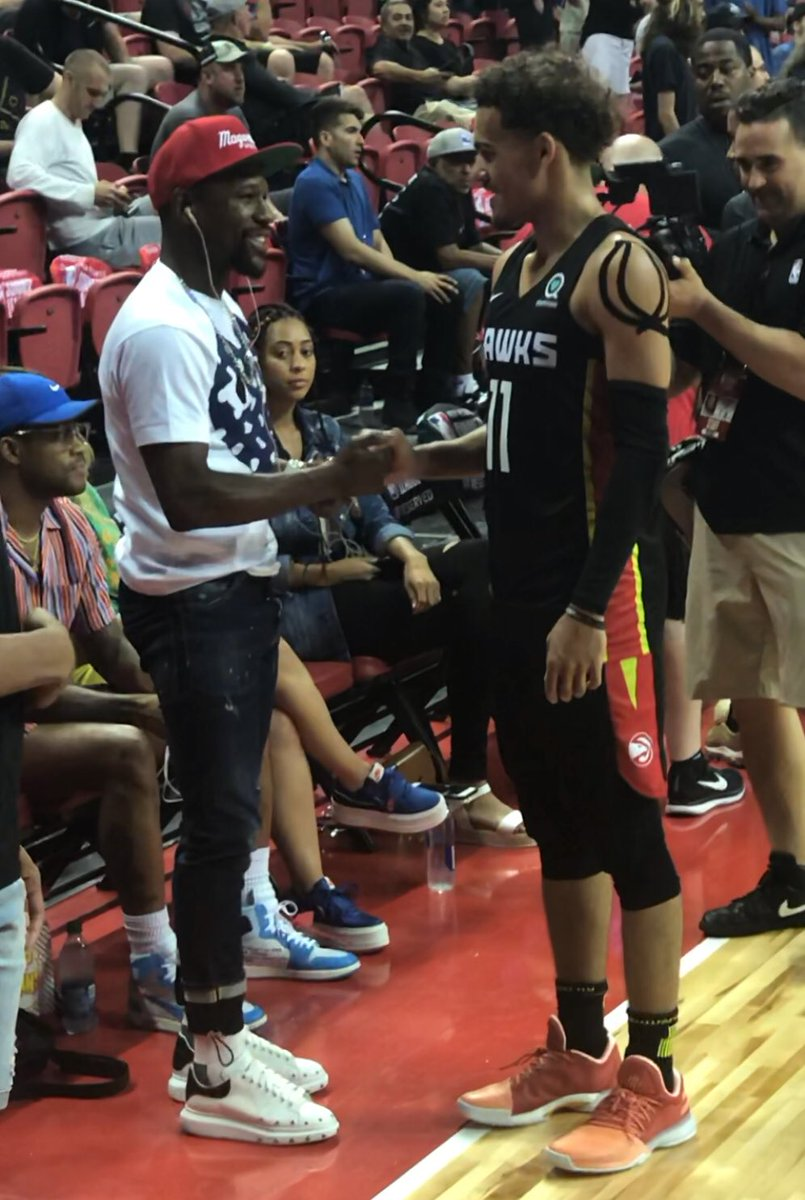 RT @BenGolliver: Trae Young x Floyd Mayweather https://t.co/4sNJqyc4lf