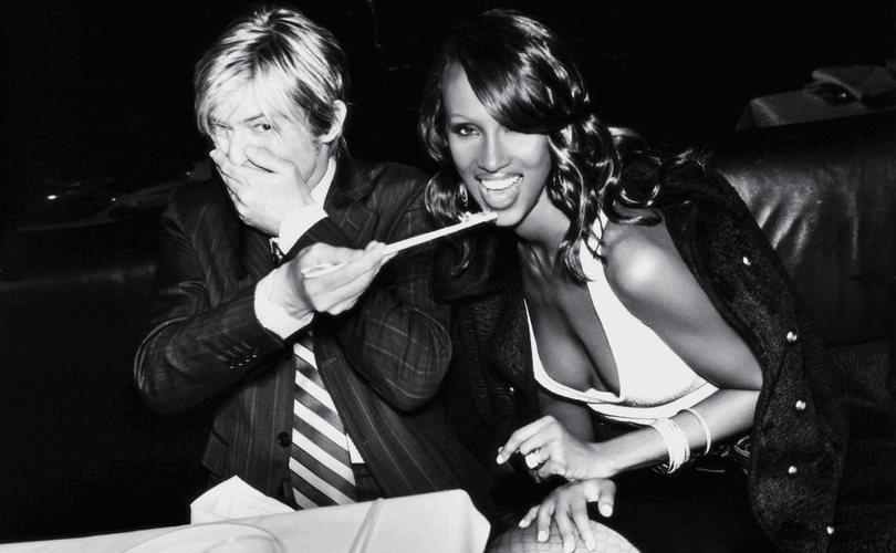 Long Lasting Celebrity Marriages - https://t.co/A2eRStP7lS https://t.co/NAupp38bbq