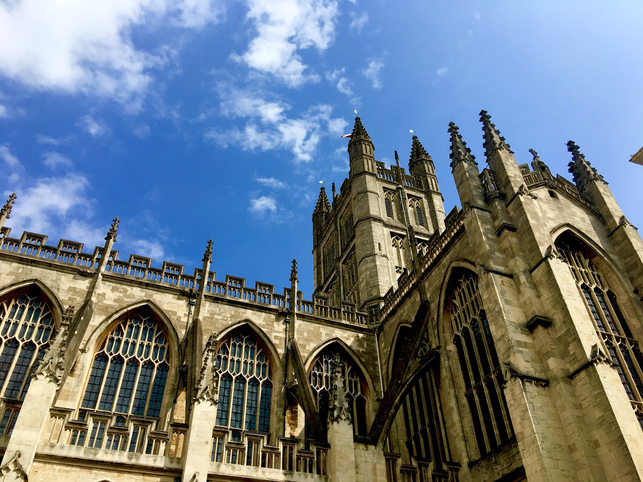 Odyssey England 2018, The Abbey Church of Saint Peter and Saint Paul, Bath, commonly known as Bath Abbey. Founded in the 7th century, reorganized in the 10th century and rebuilt in the 12th and 16th centuries. https://t.co/FiwWrde3sW