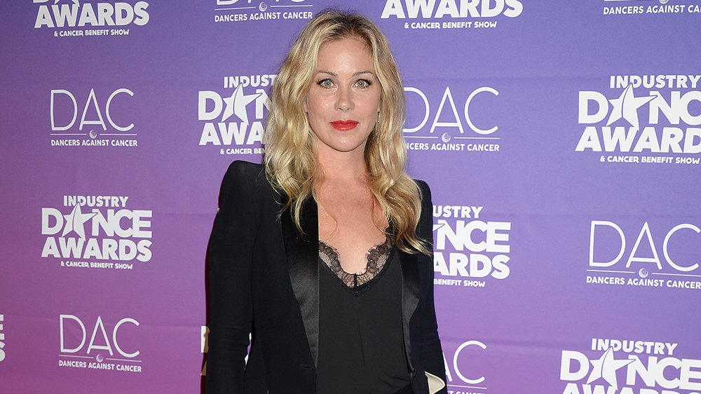 Christina Applegate (@1capplegate) to star in @Netflix comedy 'Dead to Me'