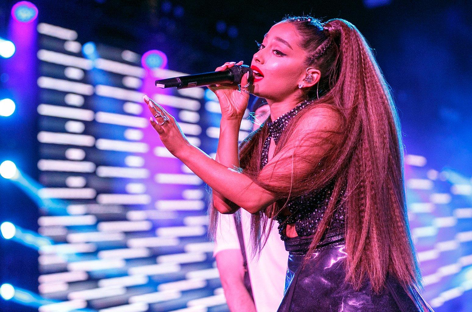 Check out the best fan reactions to Ariana Grande's 'God Is A Woman' https://t.co/m0kLlLykaR https://t.co/cT8wEtu9ok