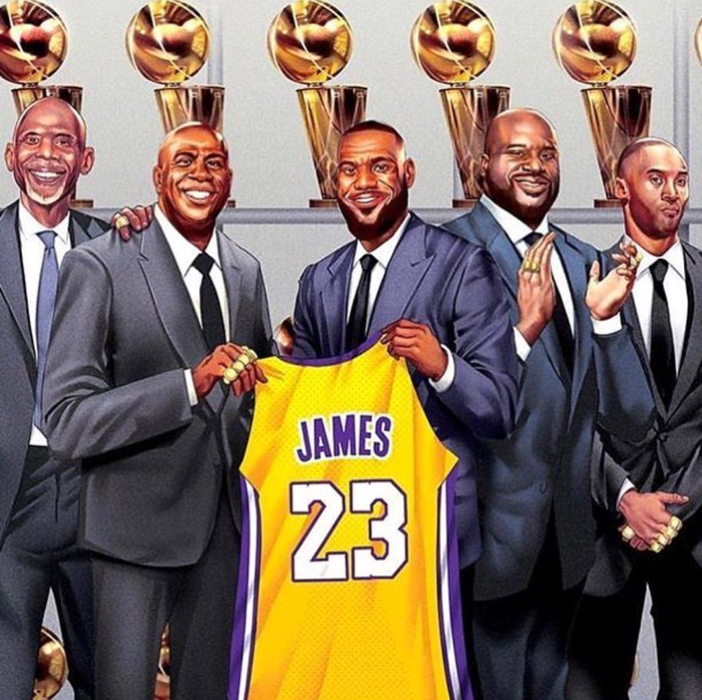 Welcome home @KingJames ???? https://t.co/sq6NrloqXu