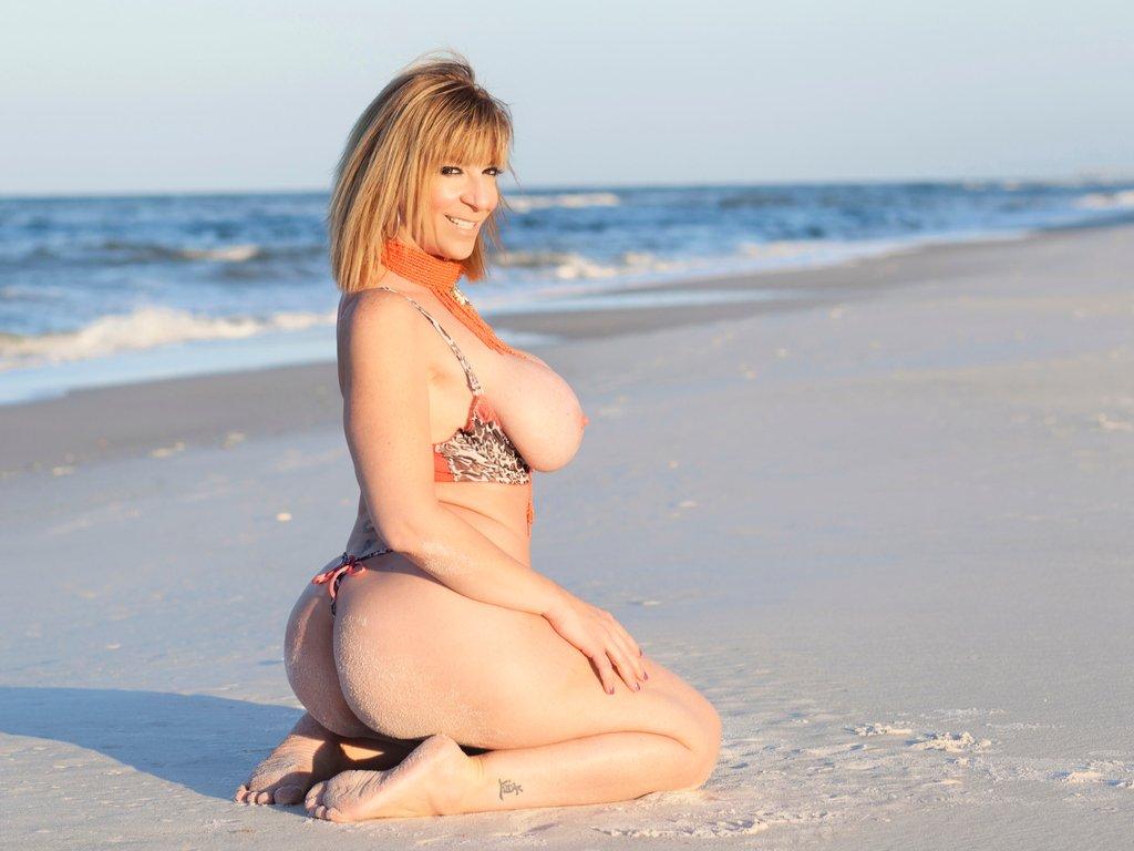 #PICOFTHEDAY 📸 Beach day ☀️ RT if you like it 😘 pPUJtoejsG ZbxAkLO3Ia