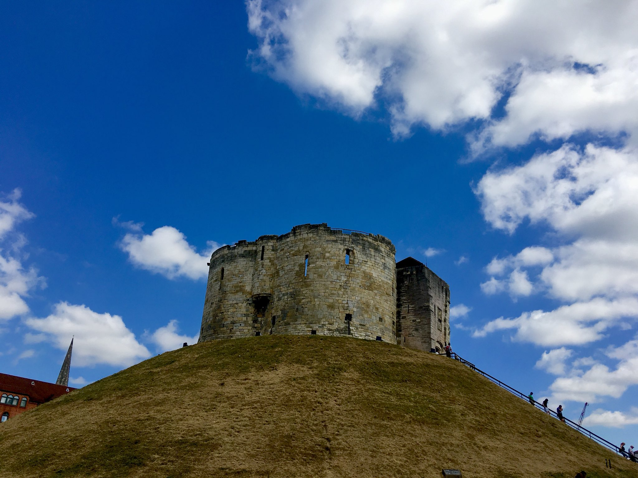 Odyssey England 2018, Raised by William the Conqueror. It is almost all that remains of York Castle, and has served as a prison and a royal mint in its time. https://t.co/Ka0Fy0V06p