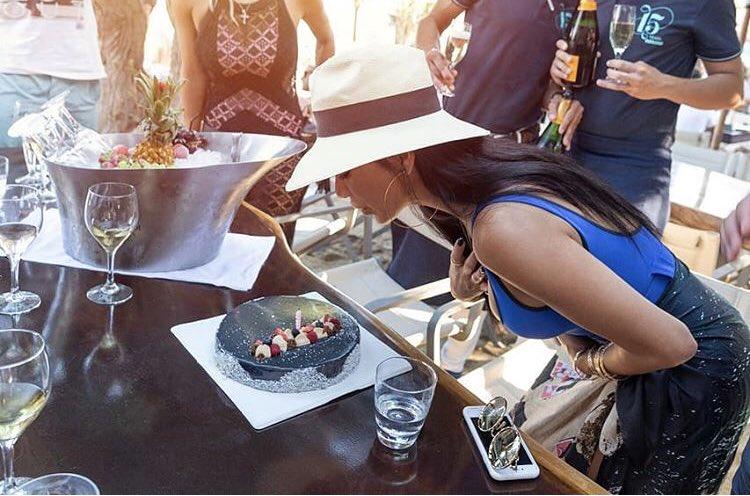 RT @ThxAmsterdam: Beautiful @NicoleScherzy celebrating her Birthday in Mykonos https://t.co/xv32vcd2WU