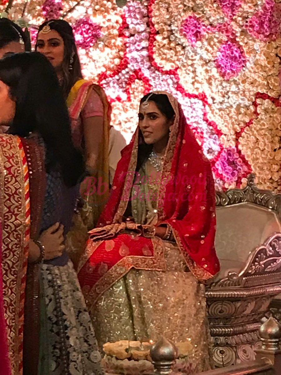 test Twitter Media - Some Photographs and videos of Aakash Ambani and Shloka  Mehta Engagement party.   #BollywoodBolega https://t.co/IQCZer0NTU https://t.co/vHBYcnx1im