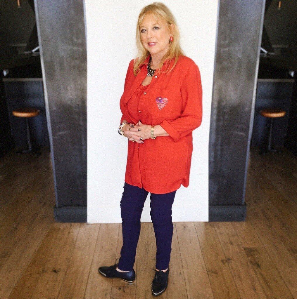 Mama Terri getting festive for the 4️⃣th in @FergieFootwear ❤️❤️???????? https://t.co/mottJteNlE