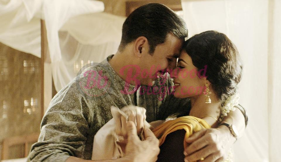 test Twitter Media - First song from the movie #Gold will be released on 6th of July It is a romantic song with debut of Mouni Roy and Akshay Kumar, the name... #Akro #AkshayKumar #MouniRoy #YasserDesai #BollywoodBolega https://t.co/MIDcqhkxE1 https://t.co/PaiQ5sSiLS