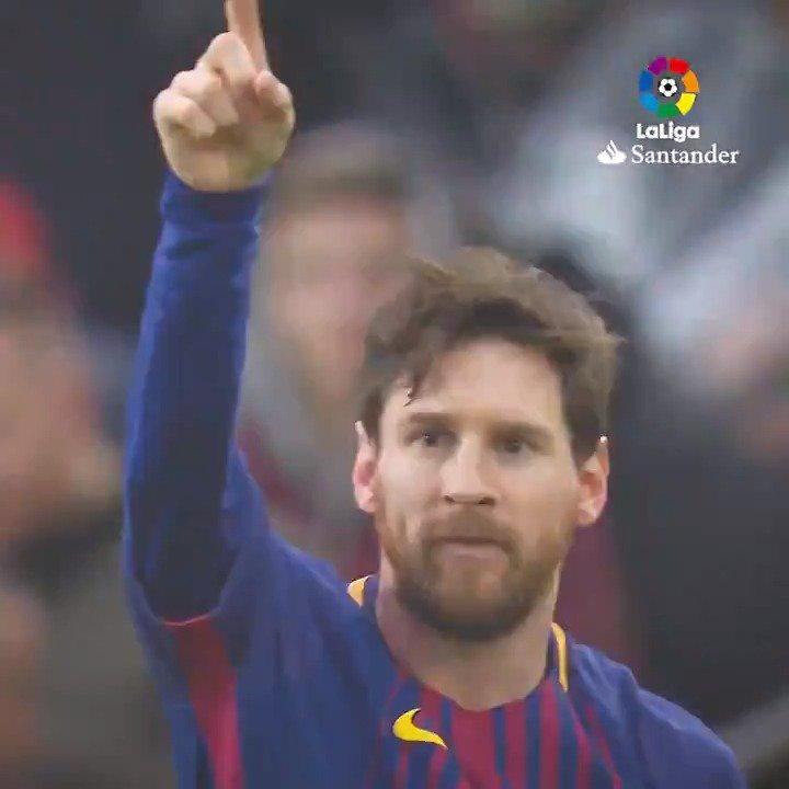 RT @LaLiga: No solo marca goles No solo regatea rivales No solo gana partidos  ¡TAMBIÉN DA ASISTENCIAS!  ???? https://t.co/Ypyl7rCsqr