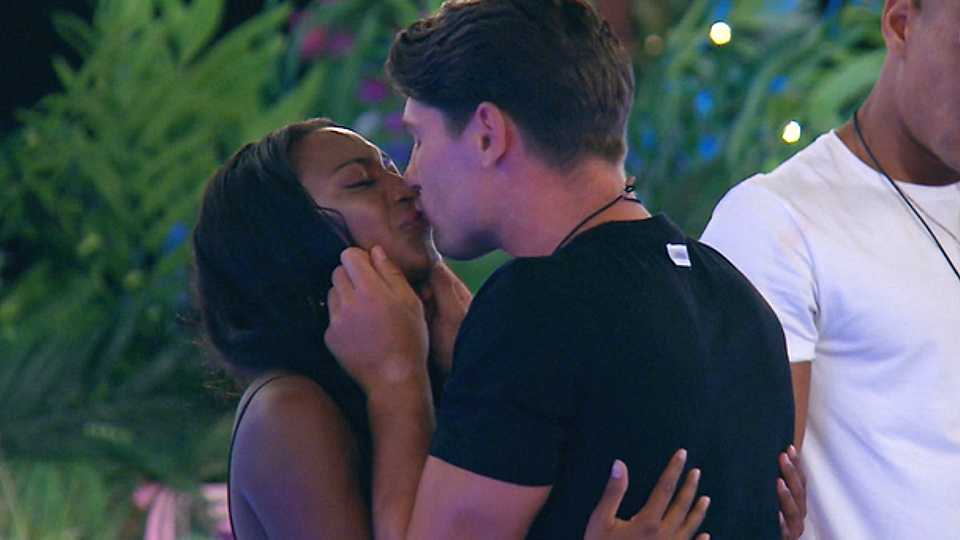 Love Island's Samira Mighty and Frankie Foster DID spend a night in the Hideaway