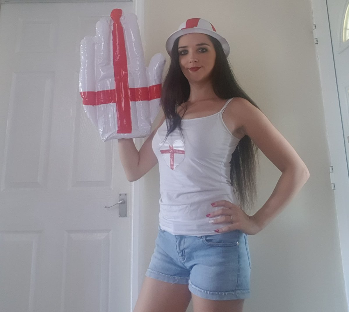 2 pic. All ready for the game ! Come on England! Xxx MeOQ6gsIim
