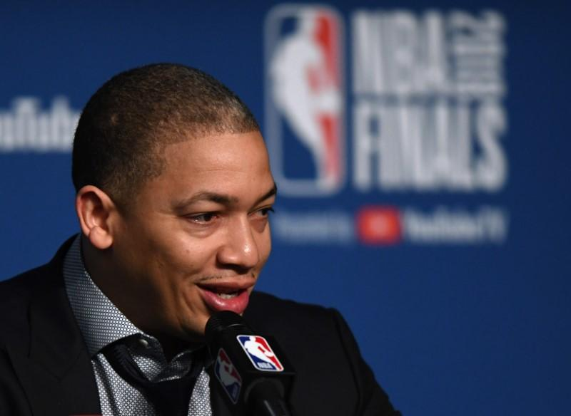Lue to meet with Lakers' Walton about LeBron