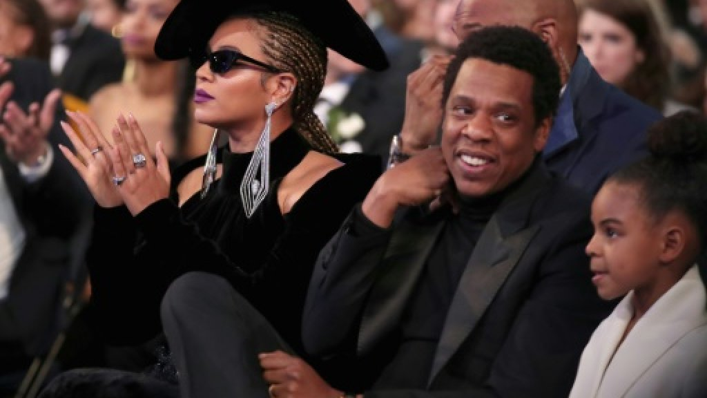 Beyonce leads anti-poverty festival for Mandela
