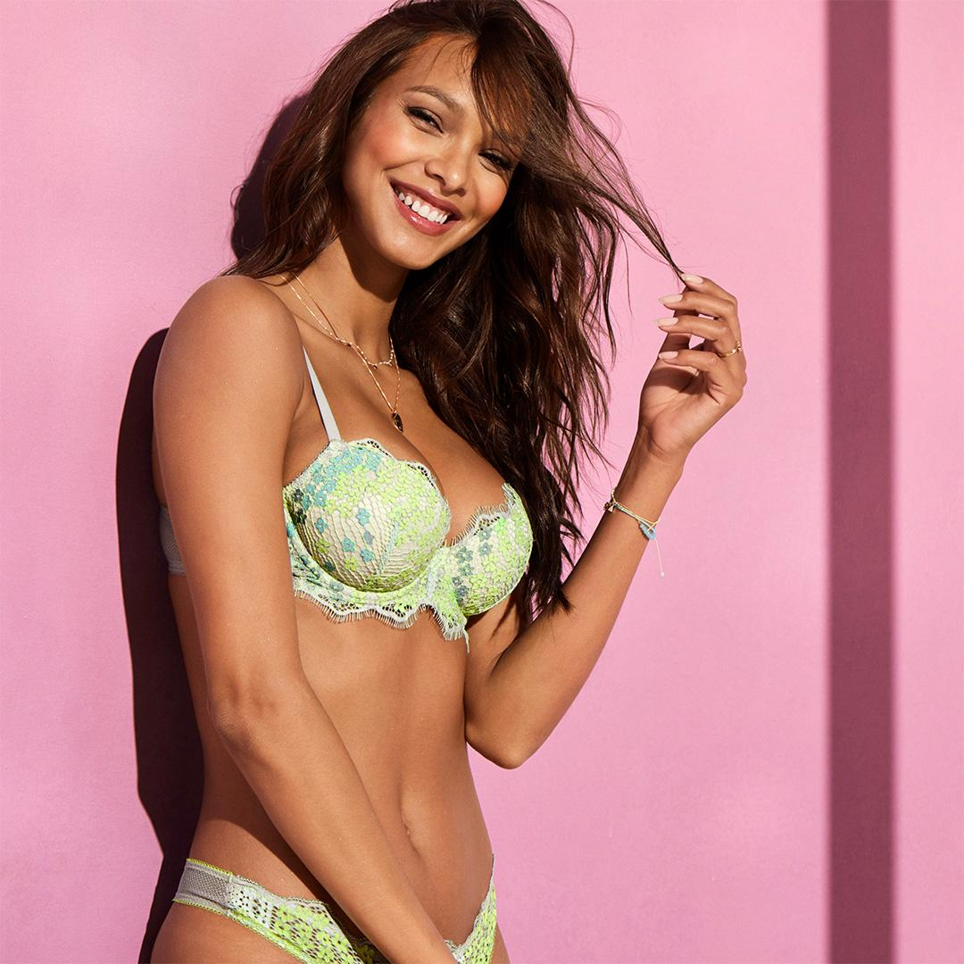 Start the week off with a little lace. #dreamincolor https://t.co/7VRCrXVflR https://t.co/qsTx6ugCkk