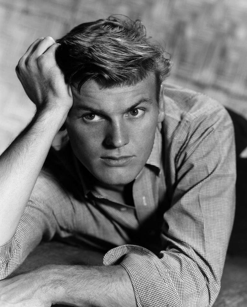 Tab Hunter Passes Away at 86