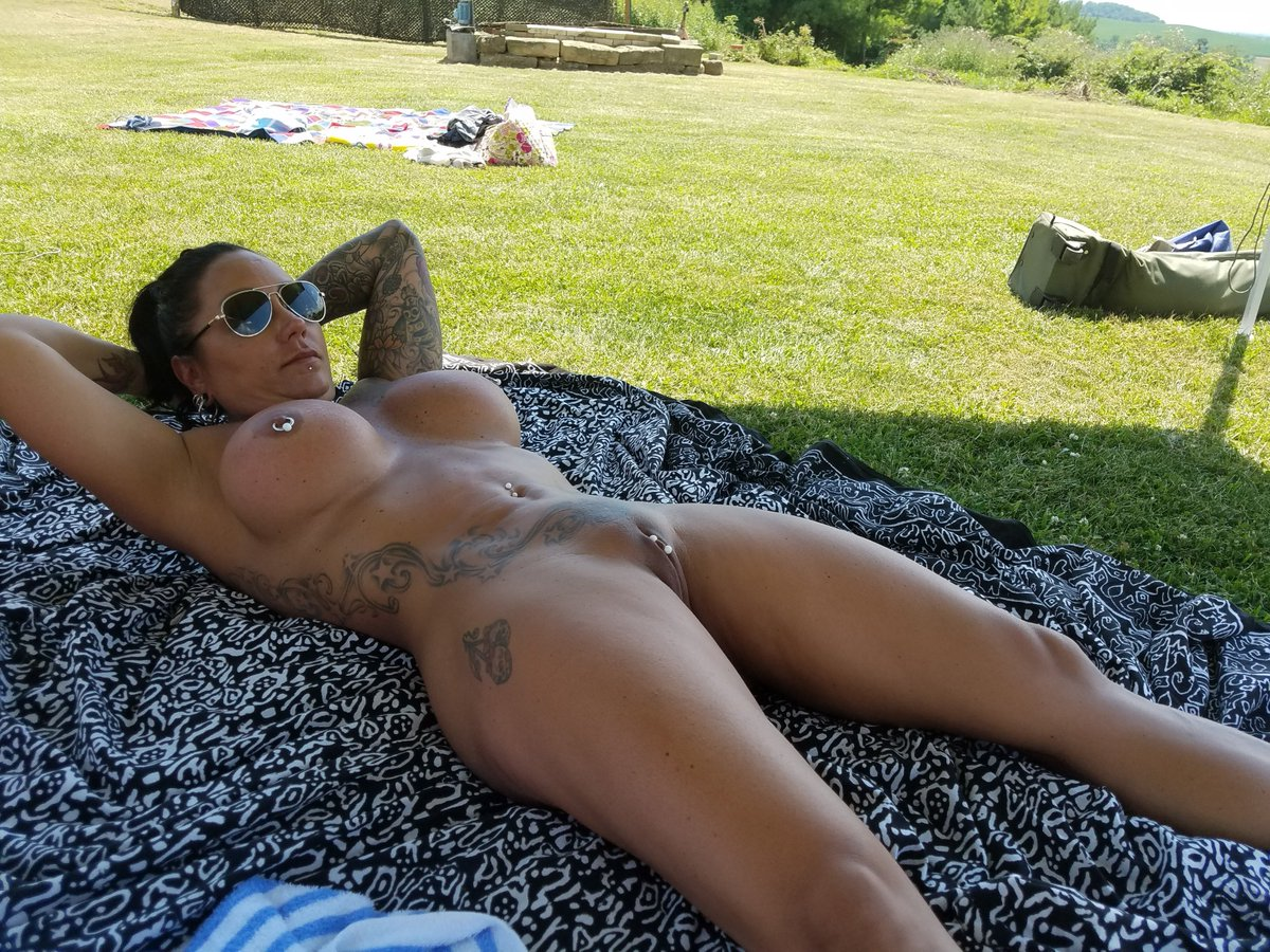 1 pic. #TIttyTuesday #MILF #pool #PublicNudity GJ2h8NWVar