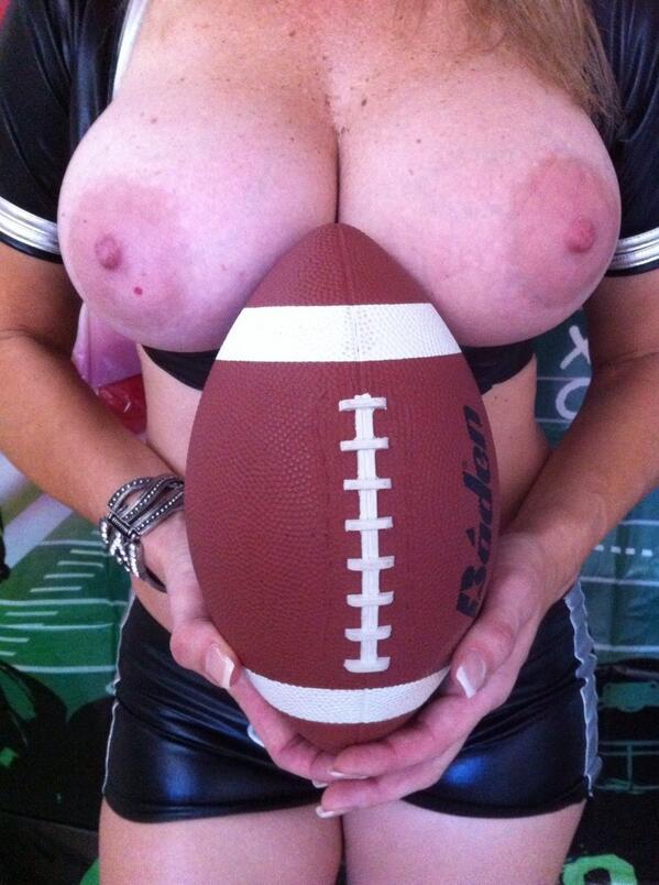 Lemme know when it's football season... :) 🏈rt EV2JLd02Pi